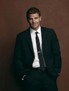 david-boreanaz-bones-tv-series-season-4-promos-gq-01